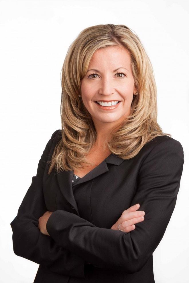 Headshot of Cindy Saiter for SDM.